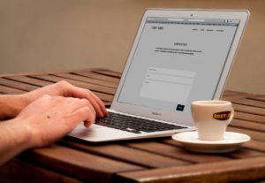 Macbook l'écriture travail main Pomme air bar Web site Internet conception logo apprentissage document graphique Icônes maquette création de sites web ordinateur personnel assistance technique